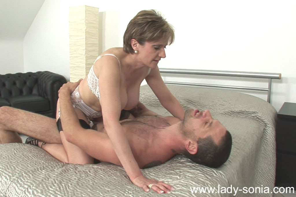 Сексуальная lady sonia
