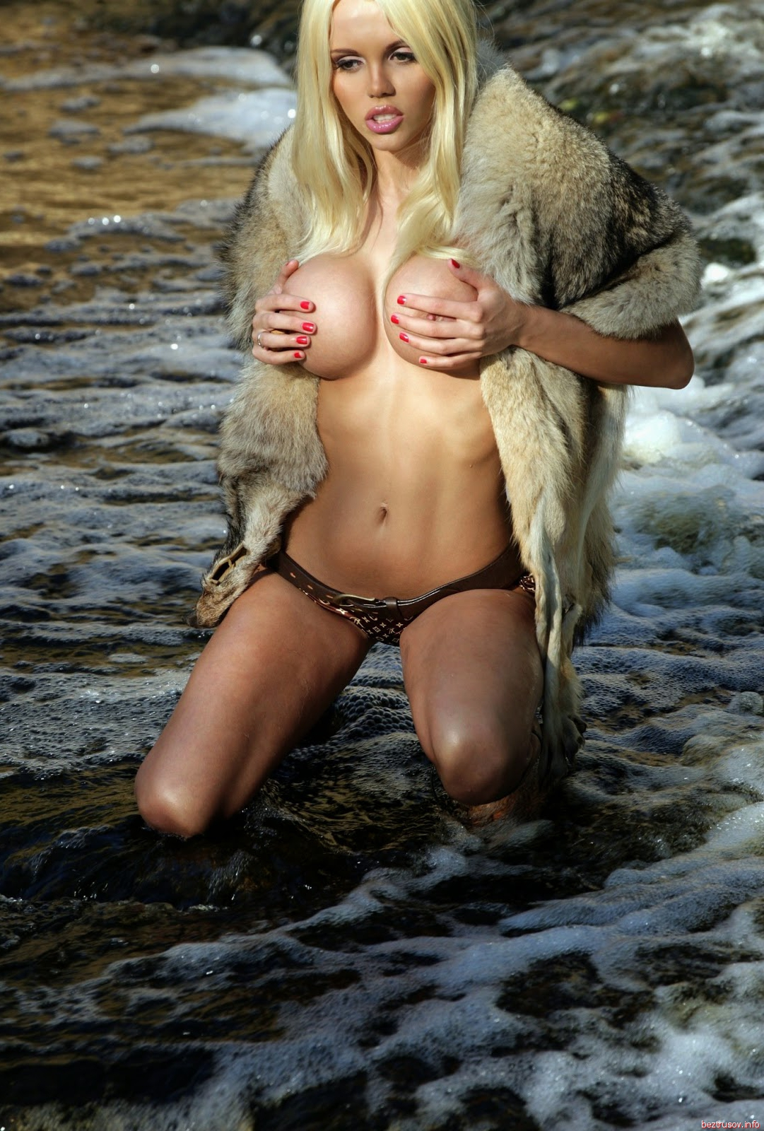 катя самбук порно природе