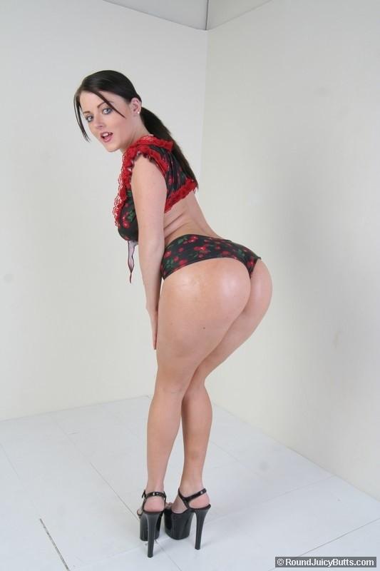 Порнозвезда sophie