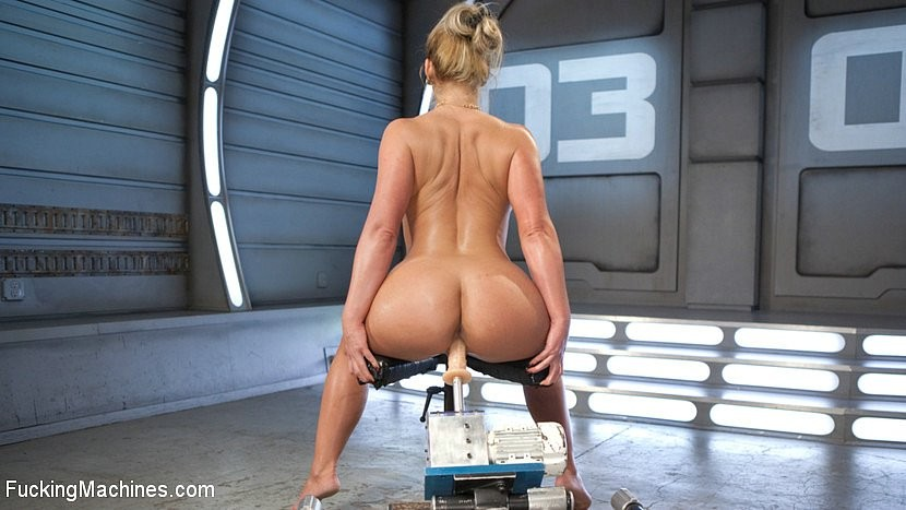 Мария феникс и секс машина косичками мастурбирует порно