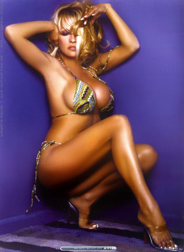 krugu-foto-porno-zvezd-na-ulitse-lesbi